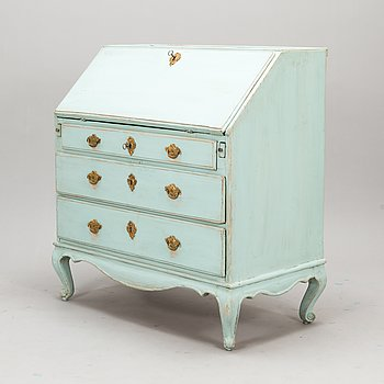 A secretaire chest of drawers from late 18th century.