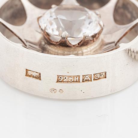 Kultasepät salovaara, pendant sterling silver with syntehtic white spinel.