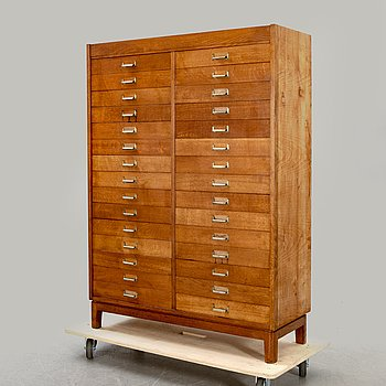 A filing cabinet first half of the 20th century.