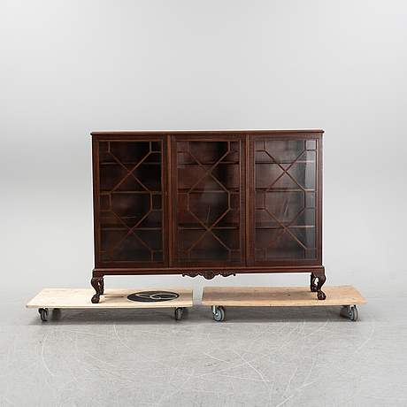 A chippendale-style mahogany book cabinet, first half of the 20th century.