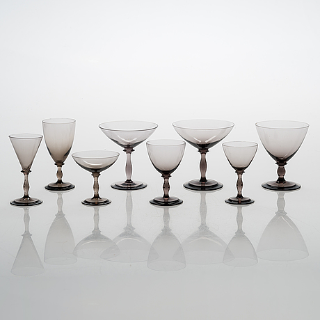 Tyra lundgren, a set of 33 glasses, riihimäen lasi, first half of the 20th century.