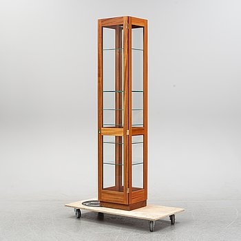 Göran Malmvall, display cabinet, 'KA72' for Karl Andersson & Söner, later part of the 20th century.