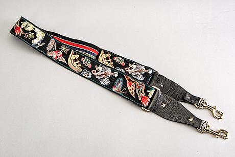 A valentino strap.