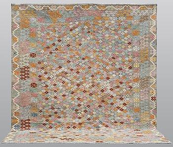A carpet, Kilim, 321 x 282 cm.