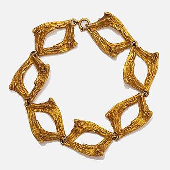 Helky Juvonen, A 14K gold bracelet. Westerback, Helsinki 1976.