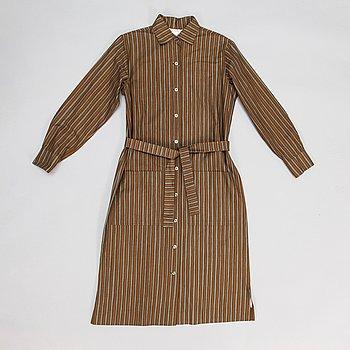 """Marimekko, skjortklänning, mönster """"Piccolo"""", av Vuokko Eskolin-Nurmesniemi."""