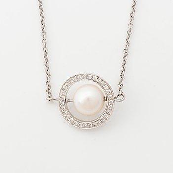18K white gold, cultured pearl and brilliant cut diamond necklace.