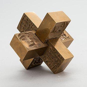Laila Pullinen, sculpture/medal, bronze, signed LP, numbered 2291.