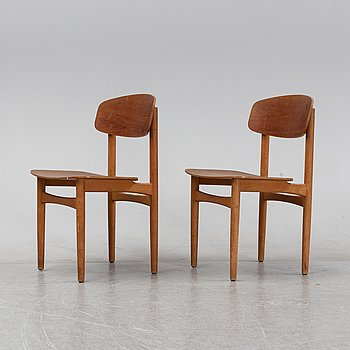 Børge Mogensen, a pair of teak veneered model '122' chairs for Söborg Möbelfabrik, Denmark, 1950's/60's.
