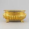 A brass flower pot, 19th century.