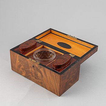 A mahogany veneered box, mid 19th Century.
