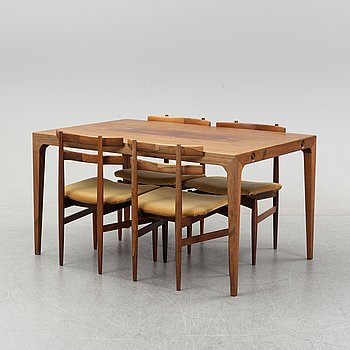 A rosewood dining set with tabel and four chairs by Hundevad & Winding, 1950's.