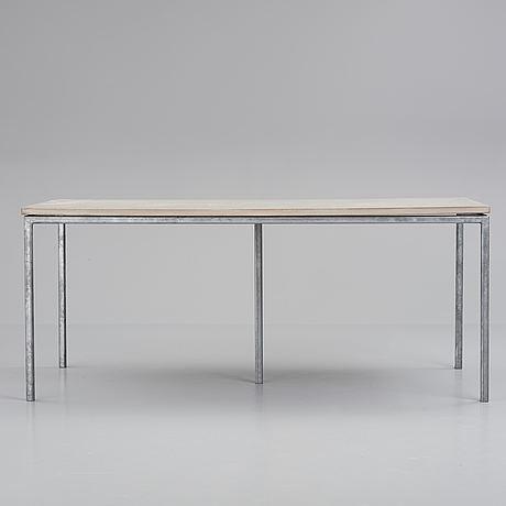 A concrete contemporary table from r.o.o.m.