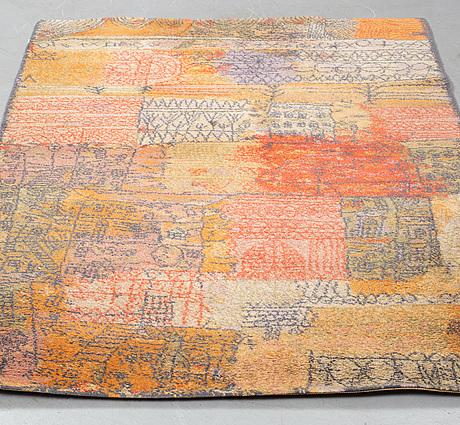 """Paul klee matta, """"florentinisches villenviertel"""". maskingjord flossa. 205 x 139 cm. efter ett konstverk från 1926."""