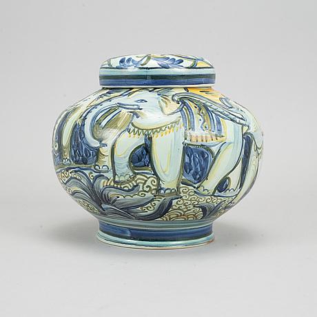 An earthenware urn with lid by allan ebeling, bo fajans, 1925.