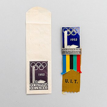 Participant medal, enamelled silver-plated metal. Summer Olympics Helsinki 1952. Finland.