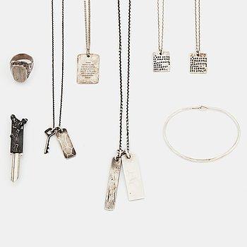 5 halskedjor, en ring, en armring samt en nyckel, silver, Bjorg, Tobias Wistisen, Werkstatt München, Copula.