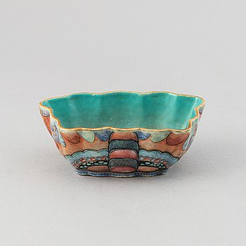 A butterflie shaped dish, China, early 20th Century.