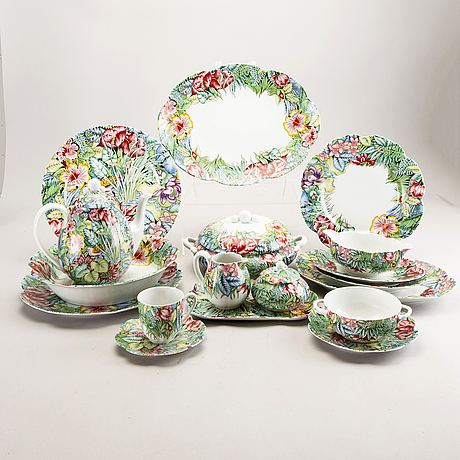 Paul marrot, a 46 pcs eden porcelain service for limoge france.