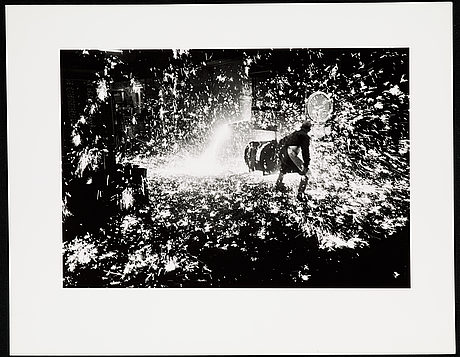 Jean hermanson, photograph signed on verso.
