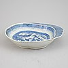 A group of chinese blue and white porcelain, qing dynasty, qianlong (1736-1795) and jiaqing (1795-1820), six pieces.