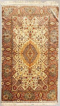 An old silk Hereke/Kayseri carpet ca 263x154 cm.