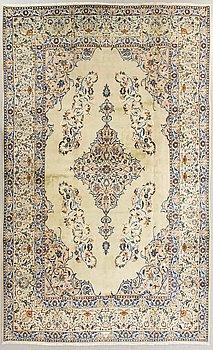 A Najafabad carpet old ca 367x261 cm.