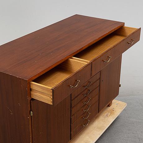 A mahogany veneered sideboard, mid 20th century.