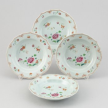 A set of four famille rose dessert dishes, Qing dynasty, Qianlong (1736-95).