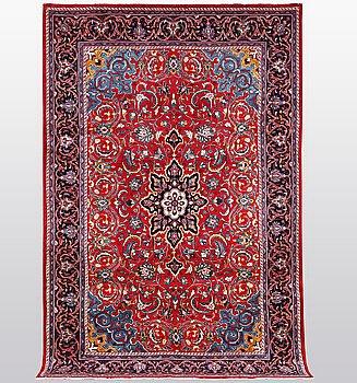 A carpet, Mahal, ca 337 x 207 cm.