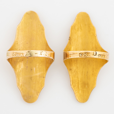 18k thimble and two rings.