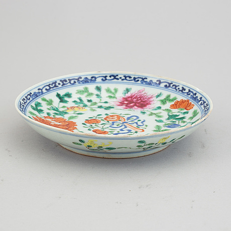 A famille rose dish, qing dynasty, ca 1900.