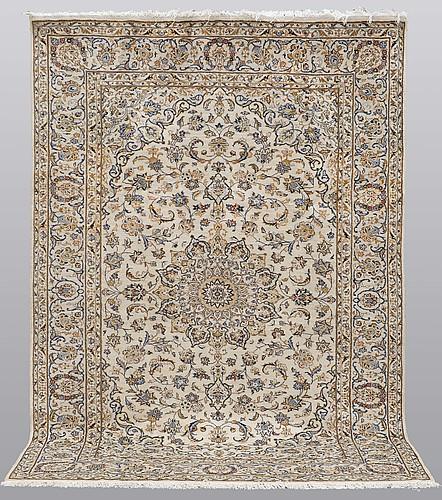 A carpet, kashan, ca300 x 200 cm.