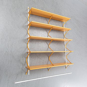A beech shelf/bookshelf by Bruno Mathsson for Firma Karl Mathsson, Värnamo, 1940's.