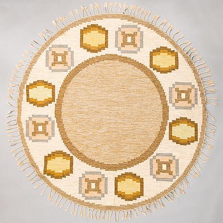 Ingegerd silow, a flat weave carpet 'torvalla. circa 200 cm.