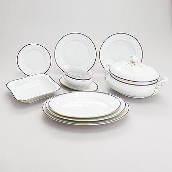 A 42-piece set of porcelain tableware. Seltmann Weiden, mid 20th century.