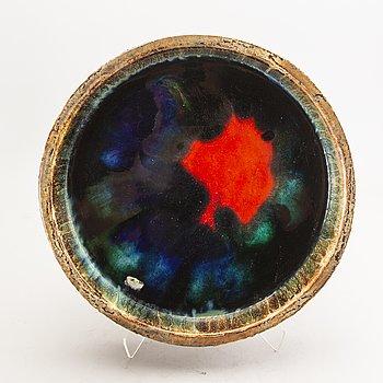 A 1960s glazed stoneware bowl.