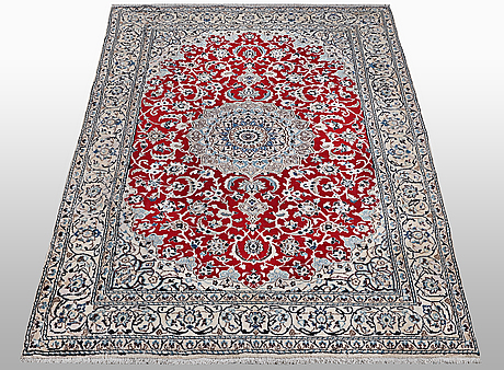 A rug, nain, part silk, 9 laa, ca 240 x 150 cm.