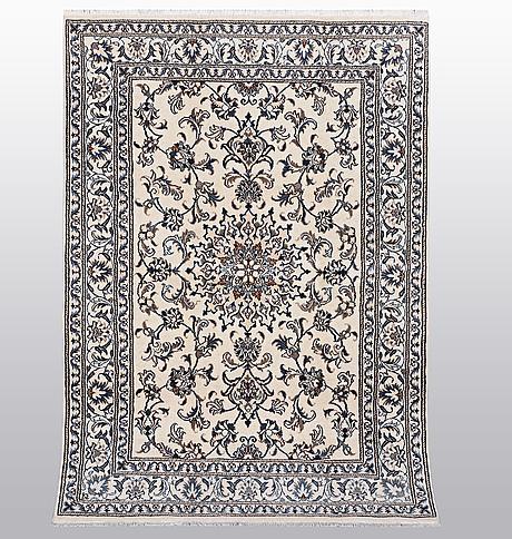 Matta, nain, part silk, ca 208 x 145 cm.