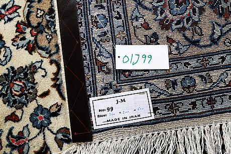 A carpet, kashan, ca 300 x 200 cm.