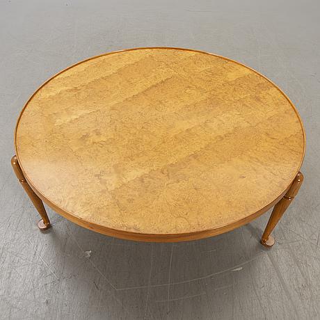 A josef frank coffee table model 2139 for firma svenskt tenn alter part of the 20th century.