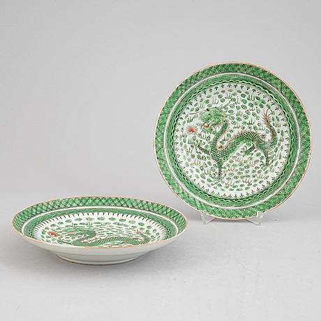 A set of six chinese, canton porcelain plates, around the year 1910.