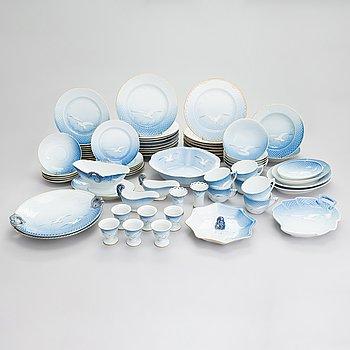 Bing & Grøndahl, a 66-piece 'Måsen' porcelain dinnerware set, Denmark.