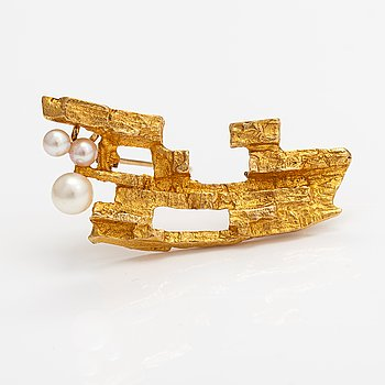 """Björn Weckström, An 18K gold and cultured pearls brooch """"Bow of Argo"""". Lapponia."""