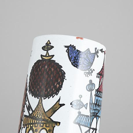 An earthenware 'karneval' vase by stig lindberg, gustavsberg studio.