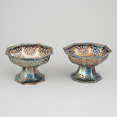 A pair of silver bowls by c.g.hallberg, stockholm, 1911.