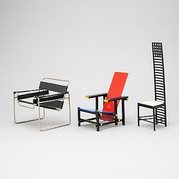 Miniatures of three famous design chairs, 21st century.