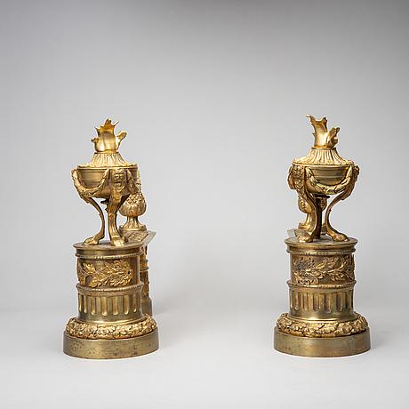 Eldhundar, ett par, louis-xvi stil, 1800-talets andra hälft.