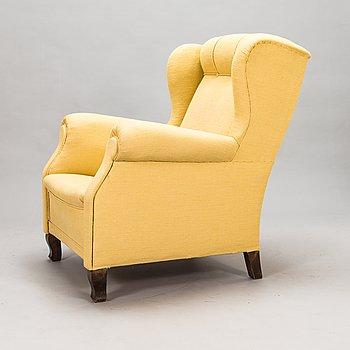 A 1950s armchair.