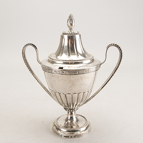 A swedish 18th century silver suger bowl mark of a hallberg kristianstad 1795 weight 798 gr.